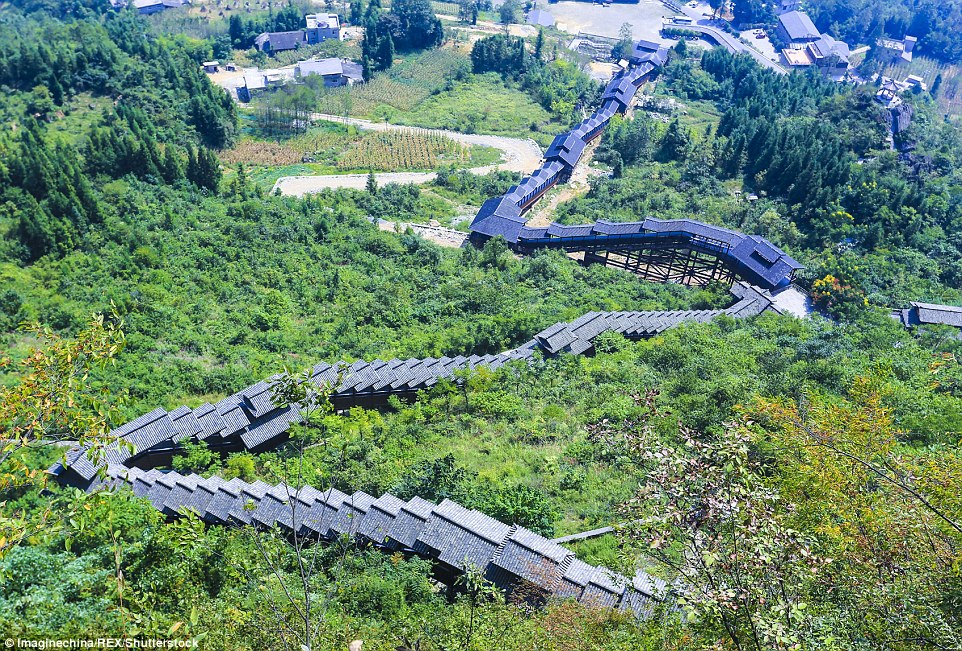 Word's longest escalator is in China